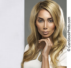Portrait of a stunning blonde beauty