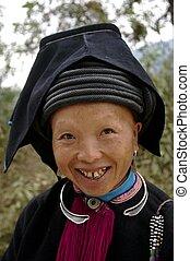 "Portrait of a woman Dao ethnic black ""Tien"""