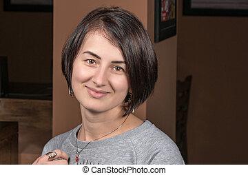 Portrait of a woman indoor