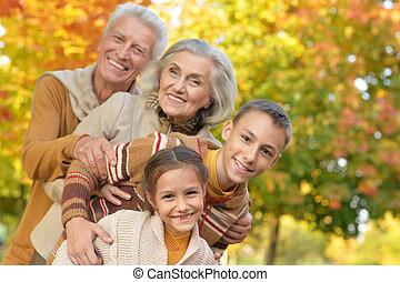 portrait of grandparents with grandchildren