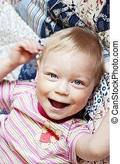 Portrait of happy laughing b%u043E%u0443