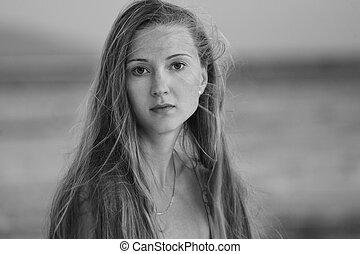 Portrait of naturally beautiful woman in her twenties