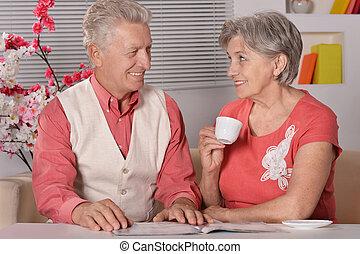 Portrait of senior couple with tea