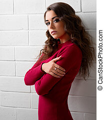 Portrait of young woman on brick wall (color ver) - Fashion...