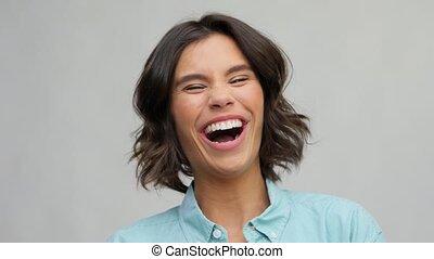 portrait, rire, chemise, femme, turquoise