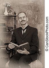 portrait, sépia, livre, lecture homme