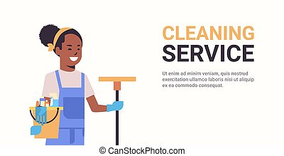 portrait, seau, sourire, tenue, américain, horizontal, africaine, nettoyeur, concept, espace, nettoyage, service, plat, femme, concierge, copie, femme, outils, lavette