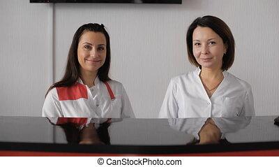 portrait, secrétaire, femme