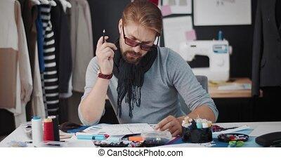 portrait, studio, atelier, concepteur, esquisser, mâle