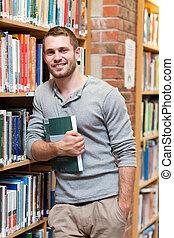 portrait, tenue, mâle, livre, sourire, étudiant