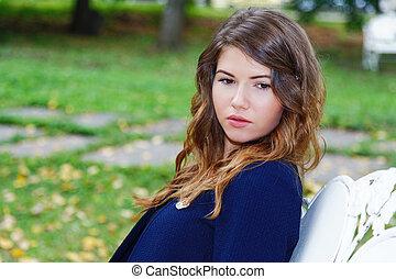 portrait, ville, girl, garez banc