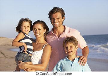 portret, święto, plaża, rodzina
