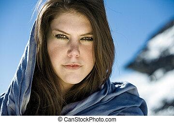 portret, brunetka