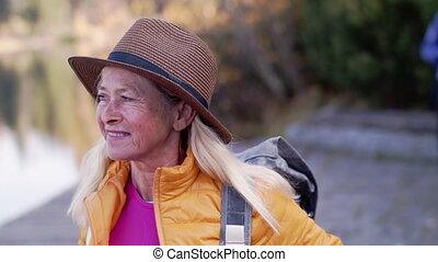 portret, czynny, wycieczkowicz, senior, przód, nature., ...