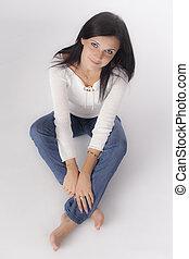 portret, de, mulher jovem, com, cabelo preto