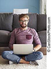 portret, laptop, przystojny, człowiek