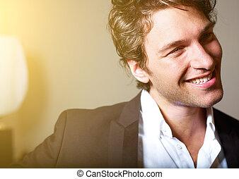 portret, od, na, pociągający, młody mężczyzna
