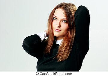 portret, od, niejaki, młody, szczęśliwa kobieta, na, szare tło