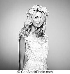 portret, od, niejaki, piękny, blondynka, kobieta, z, kwiaty, w, jej, włosy