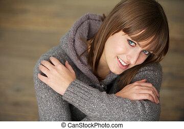 portret, od, niejaki, piękny, młoda kobieta, uśmiechanie się