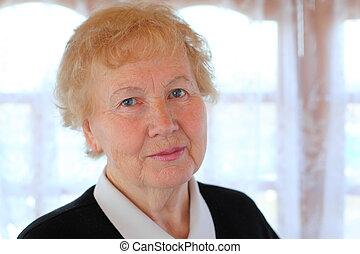 portret, od, starsza kobieta
