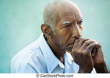 portret, senior, łysy człowiek, smutny
