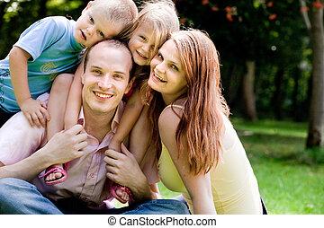 portret, szczęśliwa rodzina