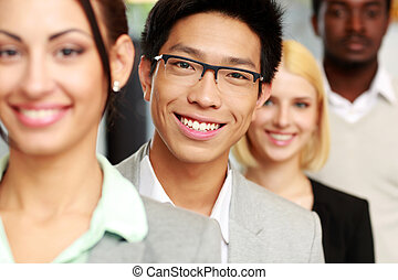 portret, uśmiechanie się, grupa, handlowy zaludniają