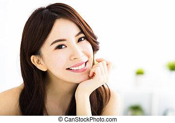 portret, uśmiechnięta kobieta, młody, pociągający