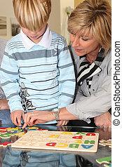 porzione, nonna, puzzle, nipote, lei