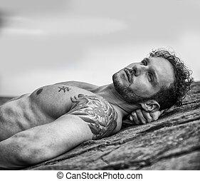 posa, muscolare, pietre, bello, spiaggia, uomo