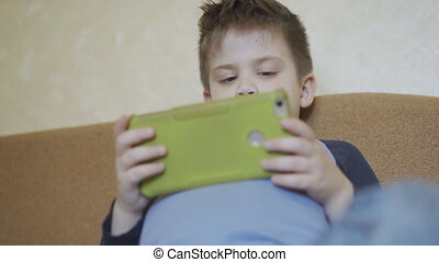 pose, bébé, jouer, smartphone, bas, garçon, game.