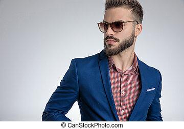 poser, mode, bleu, porter, complet, frais, lunettes soleil, type