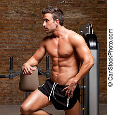 poser, muscle, formé, homme, fitness, gymnase