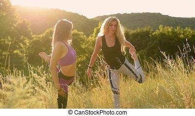 poses, yoga, spectacles, débutant, maîtresse