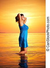 posição mulher, água
