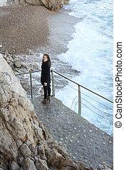 posição mulher, frente, praia