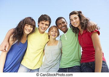 posición, amigos, adolescente, grupo, exterior