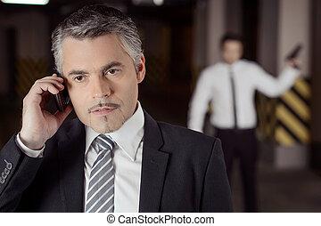posición, asesino, maduro, teléfono, móvil, hombres, arma de...