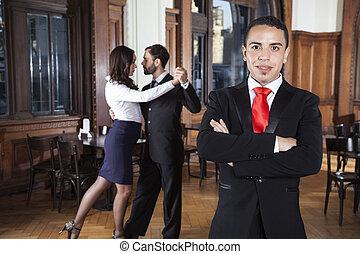 posición, bailarines, amaestrado, brazos, tango, mientras, cruzado, hombre