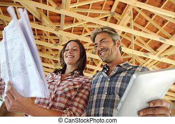 posición, casa, pareja, alegre, construcción, debajo, dentro