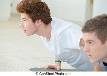 posición, cobra, hombres, yoga, joven