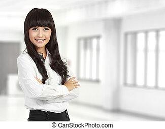posición, corporación mercantil de mujer, doblado, joven, contra, mano, plano de fondo, retrato, blanco, feliz