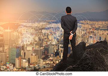posición empresario, en, el, colina, mirar, a, el, city.
