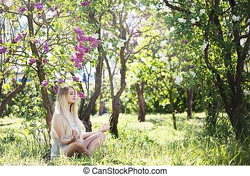 posición lotus, mujer, medita