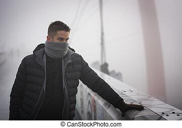 posición, moda, invierno, joven, cara, el suyo, aire libre, hombre, bufanda, paliza