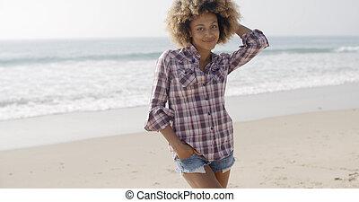 posición, mujer, playa, joven, casual