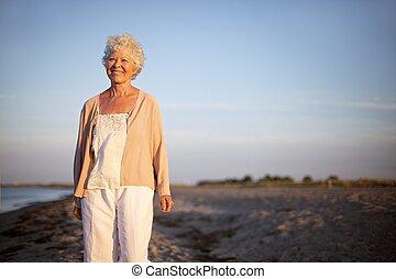 posición, mujer, playa, maduro