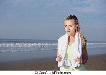 posición, mujer, toalla, joven, condición física, playa