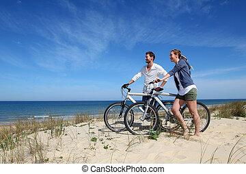 posición, pareja, bicycles, duna, arena